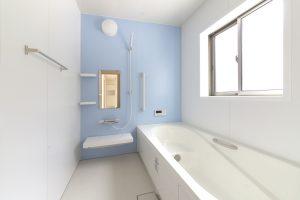 金運・健康運向上に、浴室は便利グッズを使いラクラク掃除